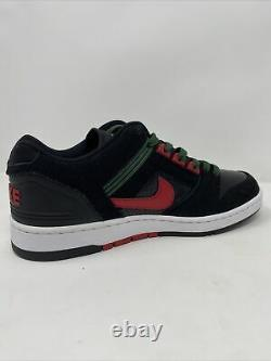 Air Force 2 Low SB'Deep Forest' Black Red Green Mens Size 10 AO0300 002