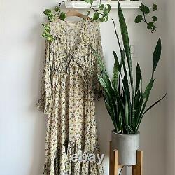 DÔEN Saffron Dress size M Bouquet Floral. Condition is Preowned