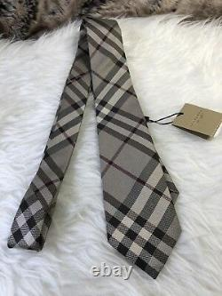 NWT Authentic Burberry Classic Plaid Pattern Mens Silk NECK TIe In Smile Trench