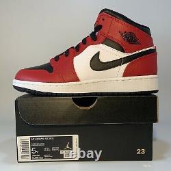 Nike Air Jordan 1 Retro MID Chicago Toe 554724-069 Mens Size 5Y (DEAD STOCK)
