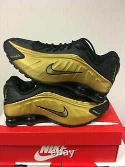 Nike Shox R4 Metallic Black Gold Vince Carter Gym Shoes 104265-702 Size 10.5