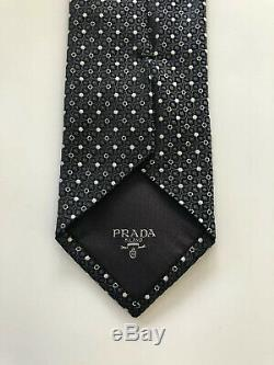 Prada Milano Tie Grey/White Silk Italy Slim Magnificent Must See