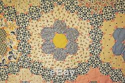 VINTAGE QUILT GRANDMOTHER'S FLOWER GARDEN QUILT 1940's TIED 84 x 75