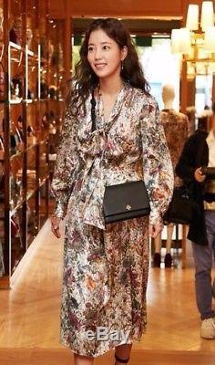 598,00 € Tory Burch - Vanessa Melody - Robe En Soie À Fleurs Avec Nœud Et Nœud Papillon