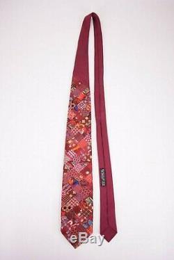 Brioni Cravate En Soie Patchwork En Rouge Avec Des Patchs Multicolores