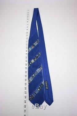 Brioni Cravate En Soie Plissée Et Patchwork En Bleu De Cobalt Avec Des Patchs Multicolores