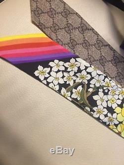 Cravate À Col Écharpe En Soie Sergée Avec Logo Imprimé Auth Gucci - Rainbow Gg A / W 18/19