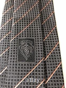 Cravate Au Cou Gucci Pour Hommes, 100% Soie, Noir, À Rayures Rouges Et Dorées