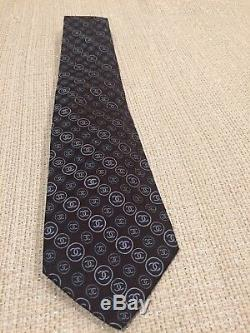 Cravate Logo Chanel Pour Hommes, Multicolore, Logos CC Monogram, Très Rare