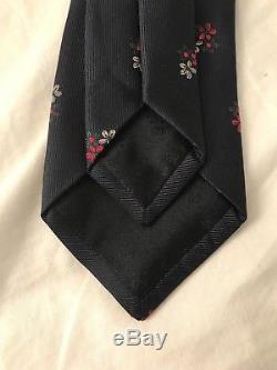 Gucci Yeola Cravate En Soie À Fleurs Bleues Avec Imprimés Floraux Made In Italy Nwt Épuisé