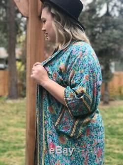 Rare Sort, Authentique Conçoit Kimono Folk O / S. Sans Défauts. Ceinture Nouée Manquant