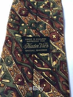 Trader Vics Mens Cravate Multicolore Géométrique Batik Design 56.5
