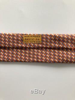 Ultra Rare Nouvelle Cravate Hermes Paris Design Impressionnant Orange / Bleu / Blanc Cheval & Jockey
