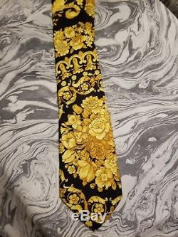 Vintage / Ultra-rare! Gianni Versace Italie Noir / Or Floral Baroque 100% Cravate En Soie
